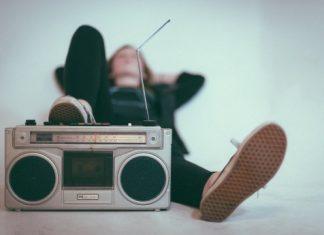 Spin The World & Explore Listen World Radio LIVE FREE